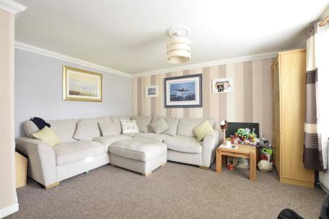 Mitchell Close, Wootton, ABINGDON, Oxfordshire, OX13. 3 bedroom terraced house