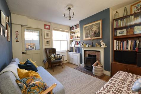 Victoria Road, Abingdon, OX14. 2 bedroom terraced house