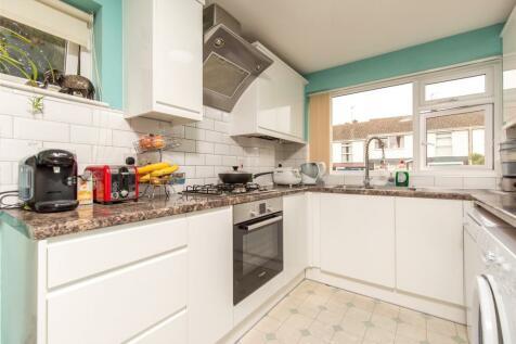 Shelley Close, Abingdon, OX14. 2 bedroom maisonette