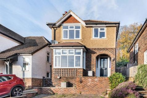 Woodside Way, REDHILL, RH1. 3 bedroom detached house for sale
