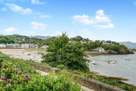 Bronafon, Borth-Y-Gest, Porthmadog, Gwynedd, LL49. 9 bedroom semi-detached house for sale
