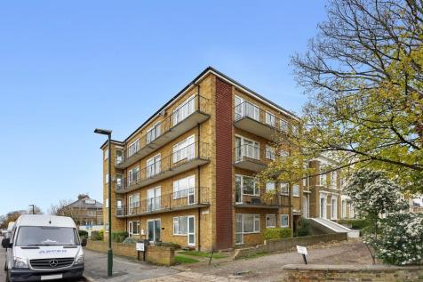 Twickenham Road, Teddington, Middlesex, TW11. 1 bedroom apartment
