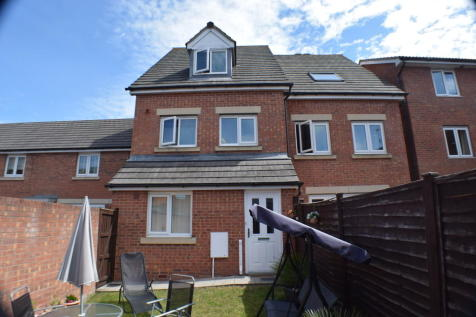 Trinity Way, Bridgwater. 2 bedroom maisonette for sale