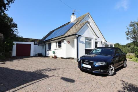 Truro City. 4 bedroom detached house
