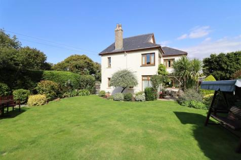 Chapel Hill, Truro. 4 bedroom detached house