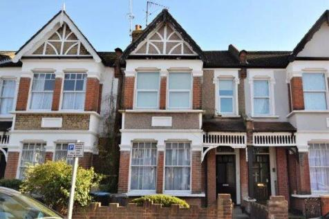 St. Andrews Road, London, EN1. 2 bedroom flat