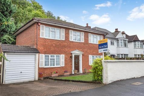South Eden Park Road, Beckenham. 3 bedroom detached house for sale