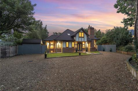Woodlands Close, Bromley. 5 bedroom detached house