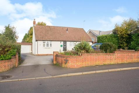Bulls Copse Lane, Horndean, Waterlooville, Hampshire, PO8. 4 bedroom detached house for sale