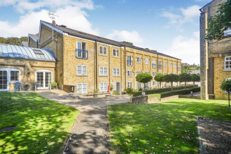 Mill House, Mill Race, River, Dover, CT17. 3 bedroom flat