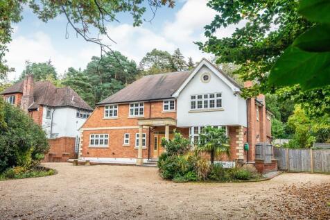 Seven Hills Road, Cobham, Surrey, KT11. 5 bedroom detached house for sale