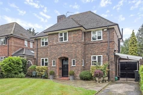 Hollydale Drive, Bromley. 4 bedroom detached house
