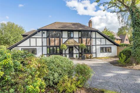 Elm Walk, Farnborough Park. 5 bedroom detached house for sale