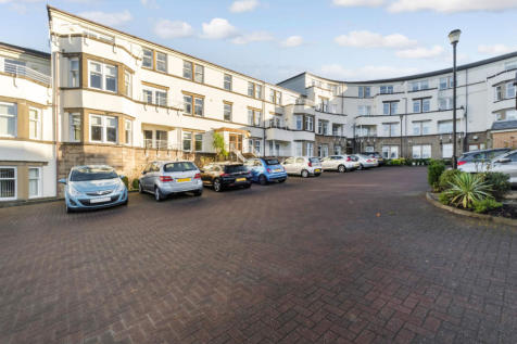 Levan Point, Cloch Road, Gourock, Inverclyde, PA19. 3 bedroom flat for sale