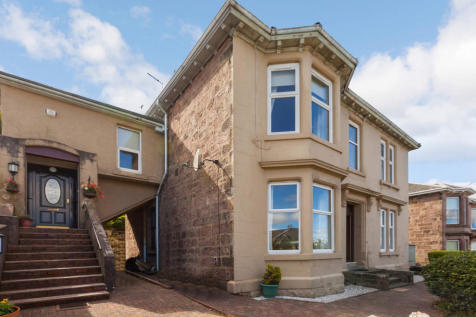 Broomberry Drive, Gourock, Inverclyde, PA19. 4 bedroom flat for sale