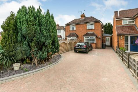 Woodlands Road, Guildford, Surrey, N/A, GU1. 4 bedroom semi-detached house