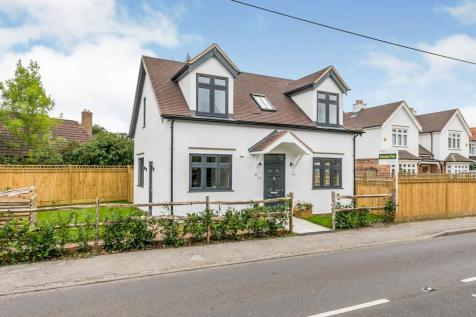 Guildford Road, Normandy, Guildford, Surrey, GU3. 3 bedroom detached house