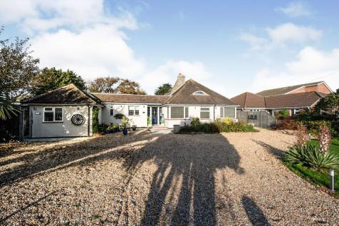 Orchard Road, Hayling Island, Hampshire, ., PO11. 4 bedroom bungalow for sale