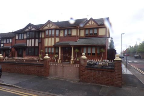 Holly Road, Kensington, Liverpool, Merseyside, L7. 4 bedroom semi-detached house