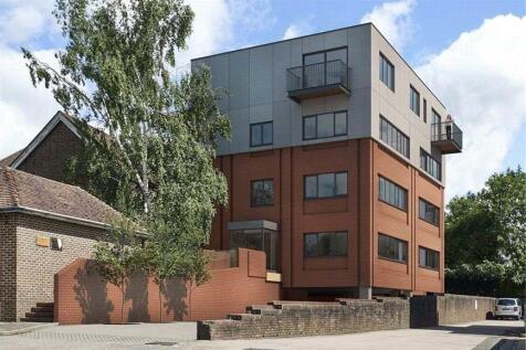 151 London Road, East Grinstead, West Sussex, RH19. 1 bedroom apartment