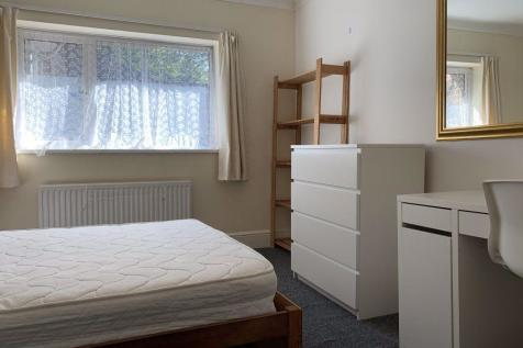 Hales Drive, Canterbury Ref - 3438. 1 bedroom house share