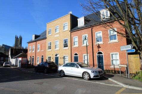 20 Queningate Court, Canterbury - Ref 3368. Studio flat