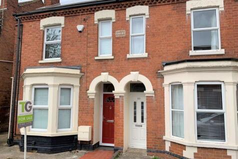 Henry Road, Gloucester. 3 bedroom semi-detached house