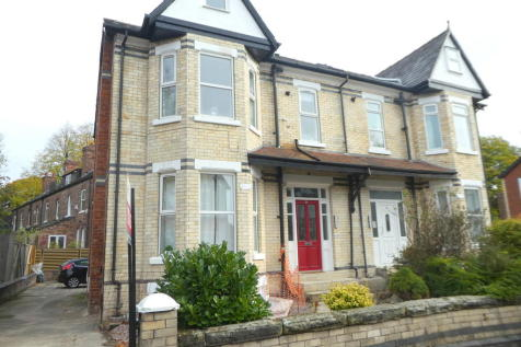 Residential Investment Opportunity. 7 bedroom apartment for sale