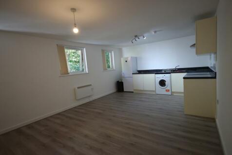 Hamnett Court, Warrington, Cheshire, WA3. 2 bedroom apartment
