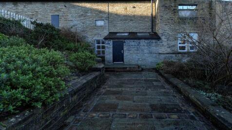 10A Savile Park Mills, Moorfield Street, Halifax. 2 bedroom apartment for sale