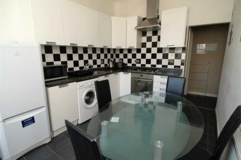 Radnor Street, Plymouth. 3 bedroom maisonette
