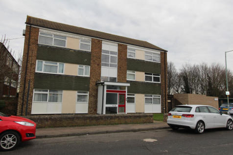 Durling Court, Rainham, Kent, ME8. 2 bedroom apartment