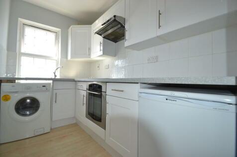 Villiers Avenue, Surbiton. 1 bedroom apartment