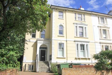 Uxbridge Road, Kingston Upon Thames. 1 bedroom flat