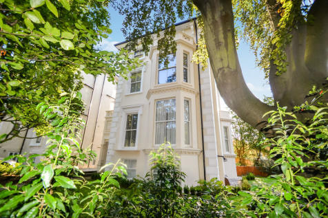Oak Hill, Surbiton. 1 bedroom apartment