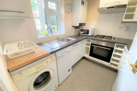 Artillery Street (Near City Centre). 1 bedroom terraced house