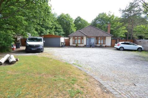 Radfall Road, Chestfield, Whitstable. 2 bedroom detached bungalow for sale