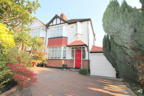 Oakwood Crescent, London. 3 bedroom semi-detached house for sale