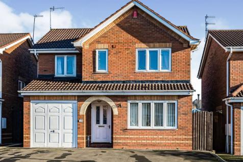 Charlecote Drive, Dudley. 4 bedroom detached house for sale