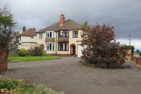 The Broadway, DUDLEY. 3 bedroom semi-detached house