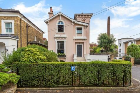 Ravenstower, Ravenscourt Square, Ravenscourt Park, London, W6. 4 bedroom detached villa