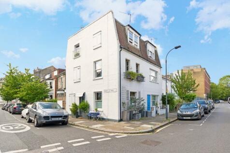 Dorville Crescent, Brackenbury Village, Hammersmith, London, W6. 3 bedroom end of terrace house