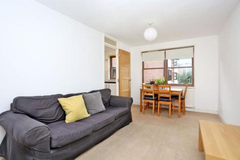 Holley Road, Wellington Court, Wendell Park, London, W3. 1 bedroom flat