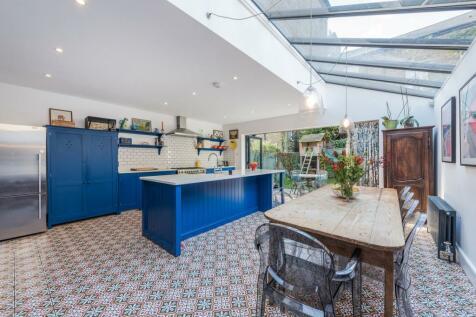 Godolphin Road, Shepherd's Bush, London, W12. 4 bedroom terraced house for sale
