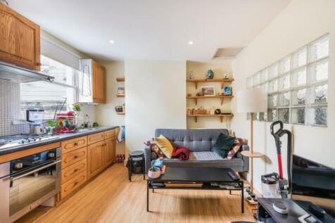 Redmore Road, Brackenbury Village, London, W6. 1 bedroom flat for sale
