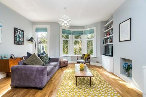 Tarbert Road, London. 2 bedroom flat