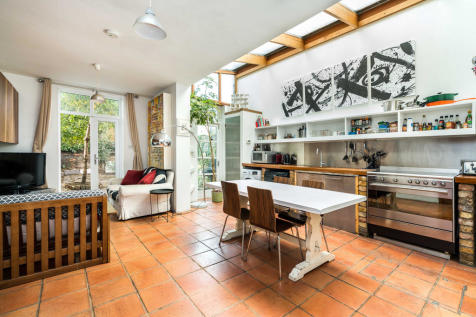 Southwell Road, London. 4 bedroom end of terrace house for sale