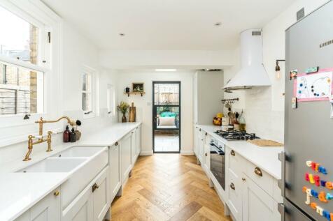 Rosendale Road, London. 2 bedroom cottage for sale