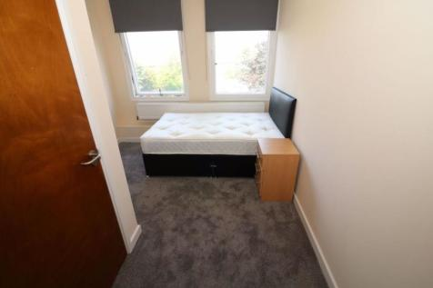 Furnished en-suite room, Campbell House, BD1. Studio flat