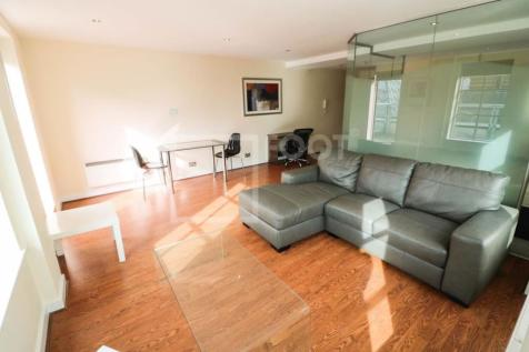 Park House Apartments, Park Row, 1 Bed, Balcony.. 1 bedroom apartment